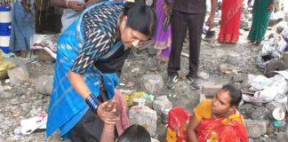 nannapaneni rajakumari help to stone hitting womens