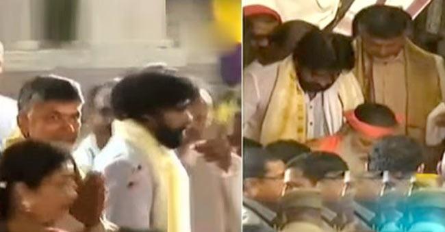 Chandrababu and Pawan Kalyan attends Lord Venkateswara Idol Induction In Guntur