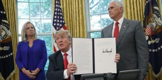 Donald Trump signs executive order to end separation of immigrant families