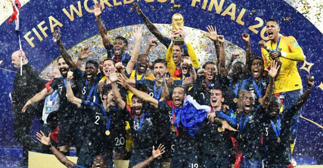 french-soccer-fans-celebrate-world-cup-victory