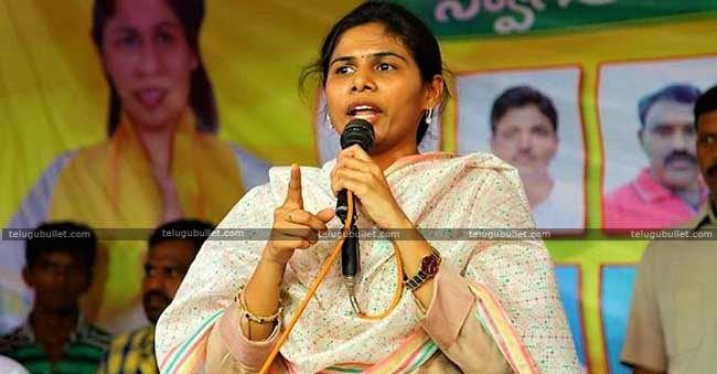 AP Minister Akhila Priya Respond On Party Change Rumours